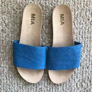 MIA design slide on sandals